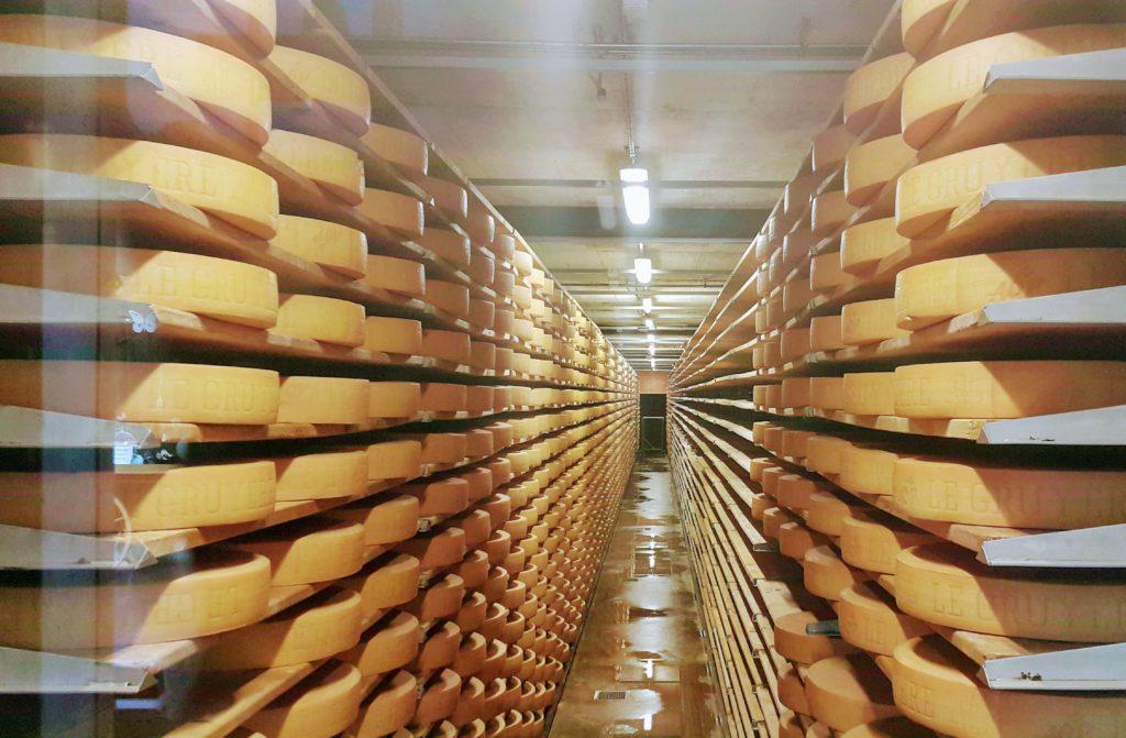 Mandıradaki Peynir Deposu