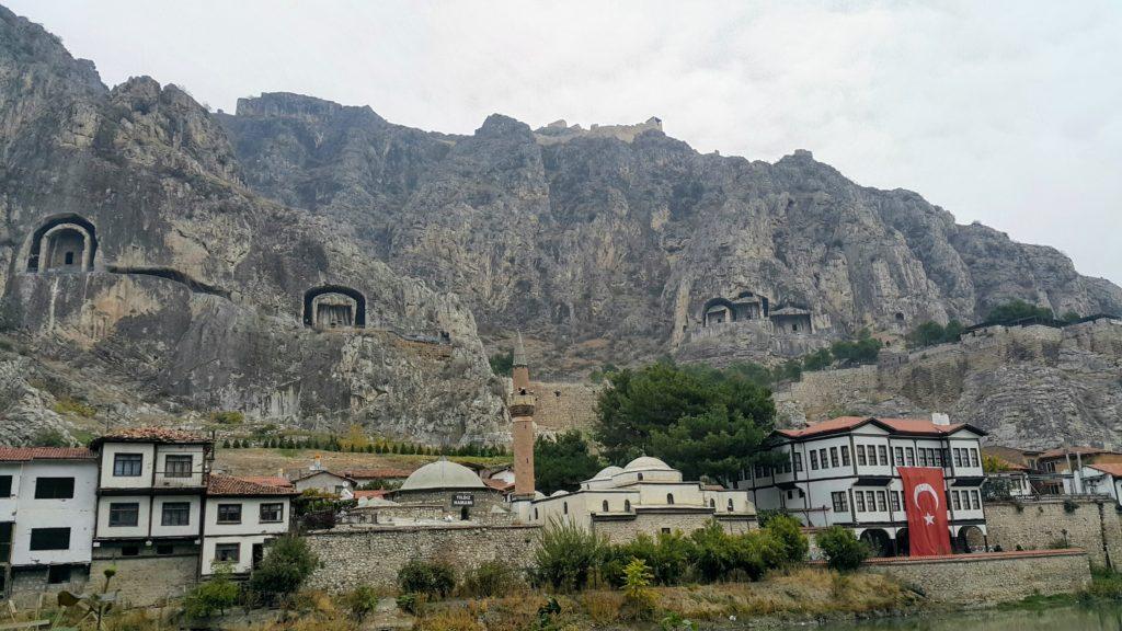 Amasya 'da Gezilecek Yerler; Kral Kaya Mezarları