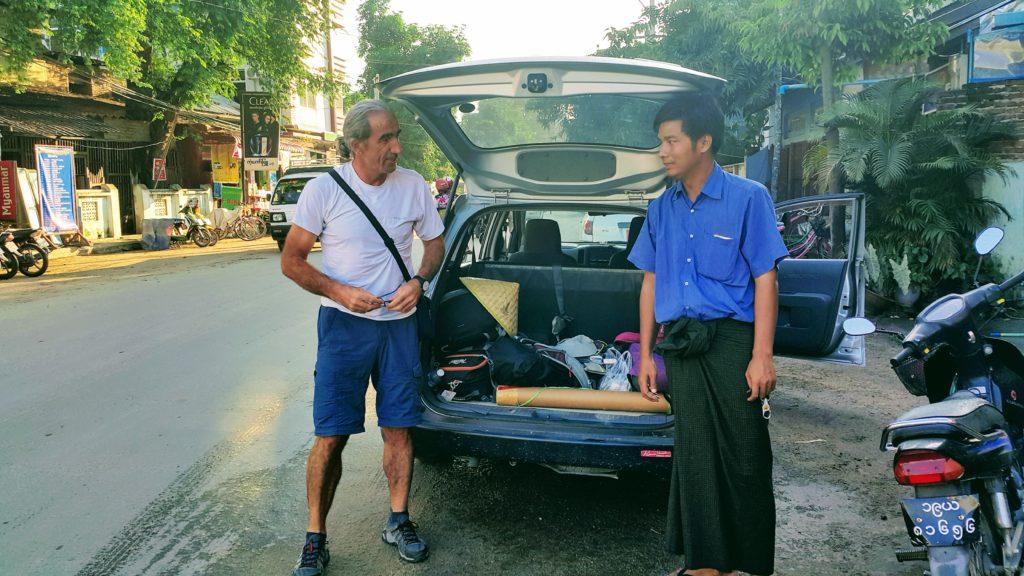 Mandalay-Bagan Ulaşımımızı Sağlayan Yerel Kaptan ve Aracımız