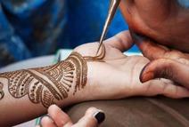 Henna Tattoo in desert safari