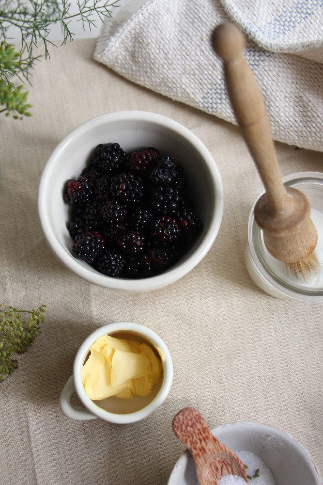 blackberry ginger scones with fennel sugar-1-24