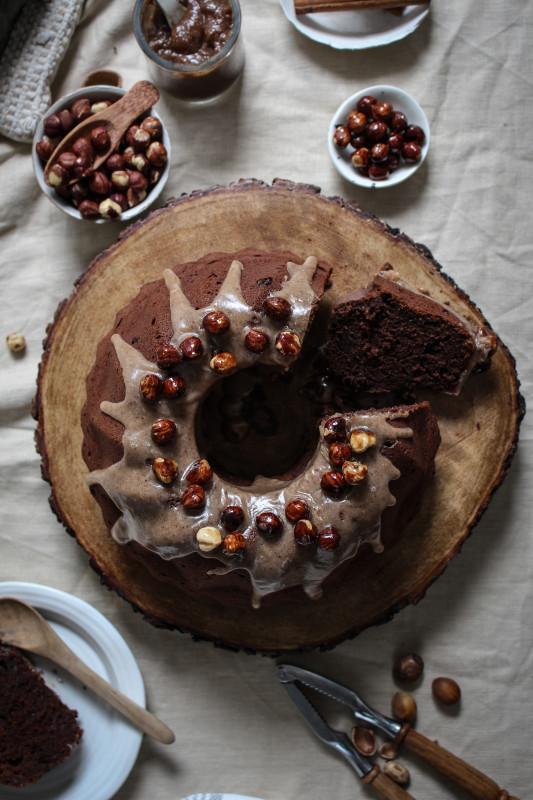 chocolate pumpkin cake with hazelnut praline frosting-1-6