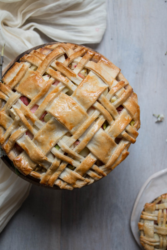 apple rose and rhubarb and pistachio pie-1-26