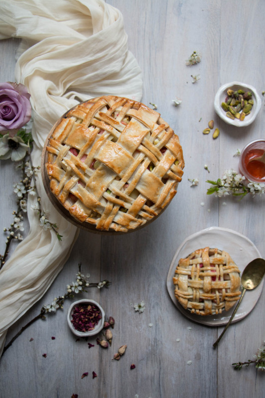 apple rose and rhubarb and pistachio pie-1-9