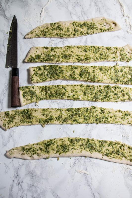 chive pumpkin seed pesto bread-1-8