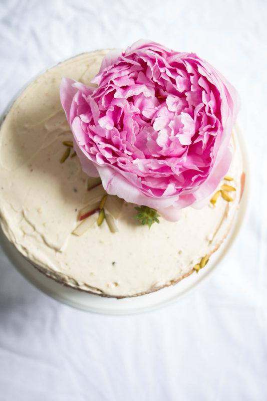 rhubarb strawberry and pistachio cake-1-13