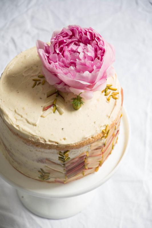 rhubarb strawberry and pistachio cake-1-4