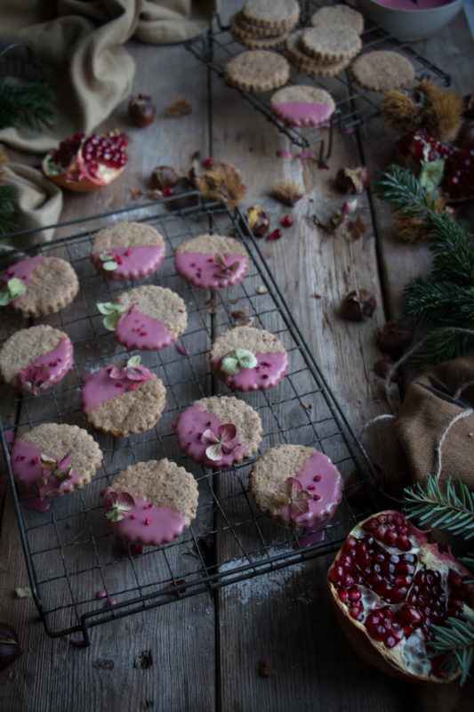 chestnut-cookies-with-pomegranate-glaze-1-18