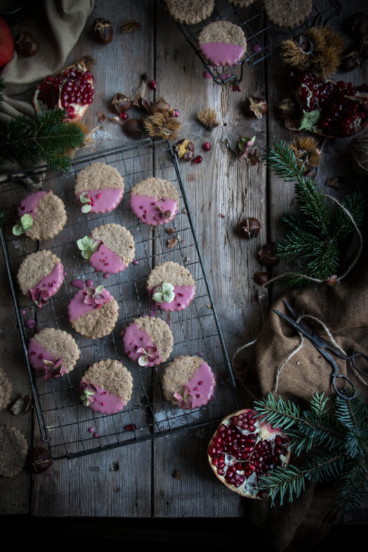 chestnut-cookies-with-pomegranate-glaze-1-2-1