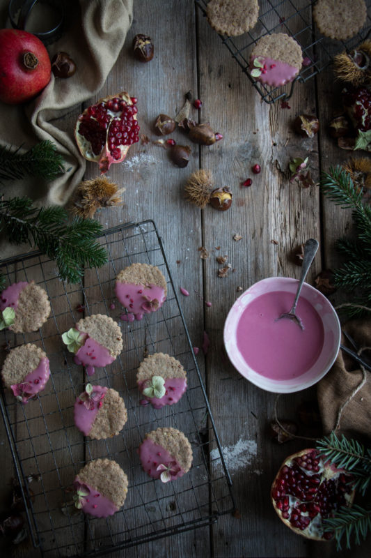 chestnut-cookies-with-pomegranate-glaze-1-4
