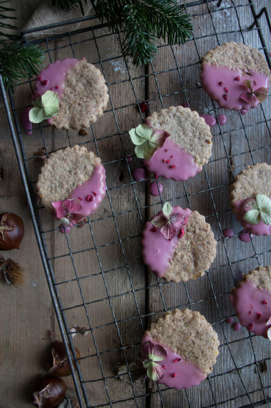 chestnut-cookies-with-pomegranate-glaze-1-5