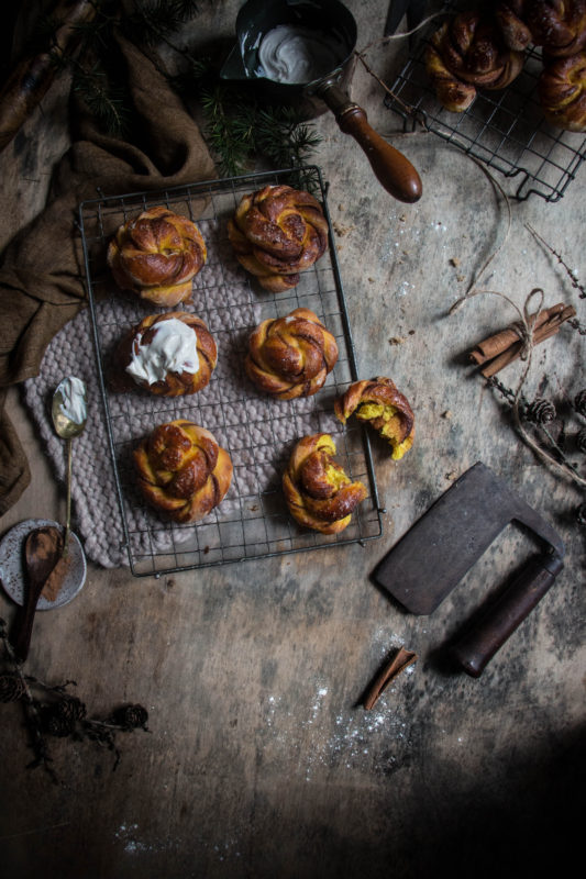 golden-milk-cinnamon-buns-1-7