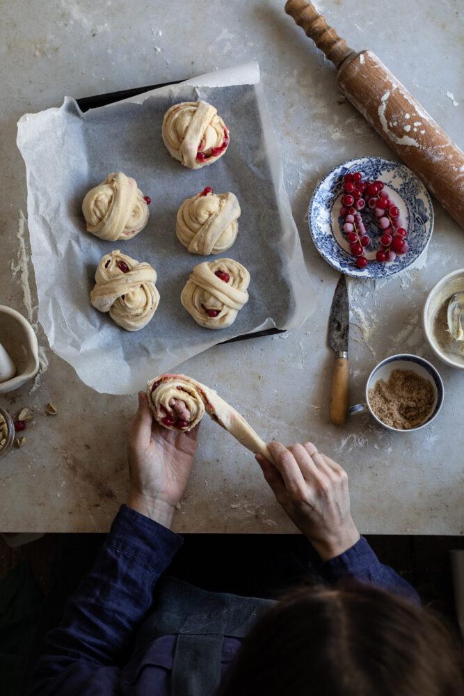 shaping swedish buns