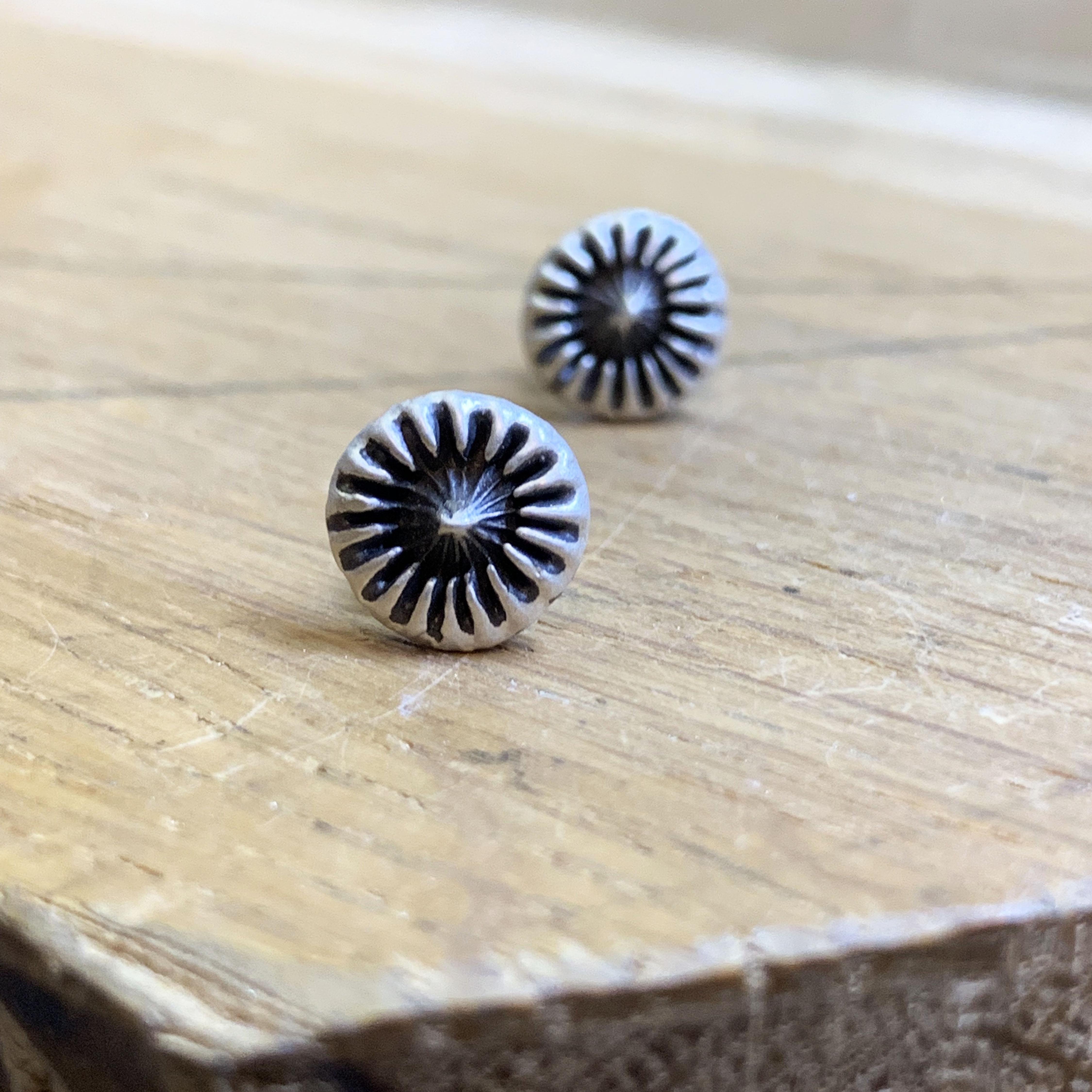 Urchin flat silver studs