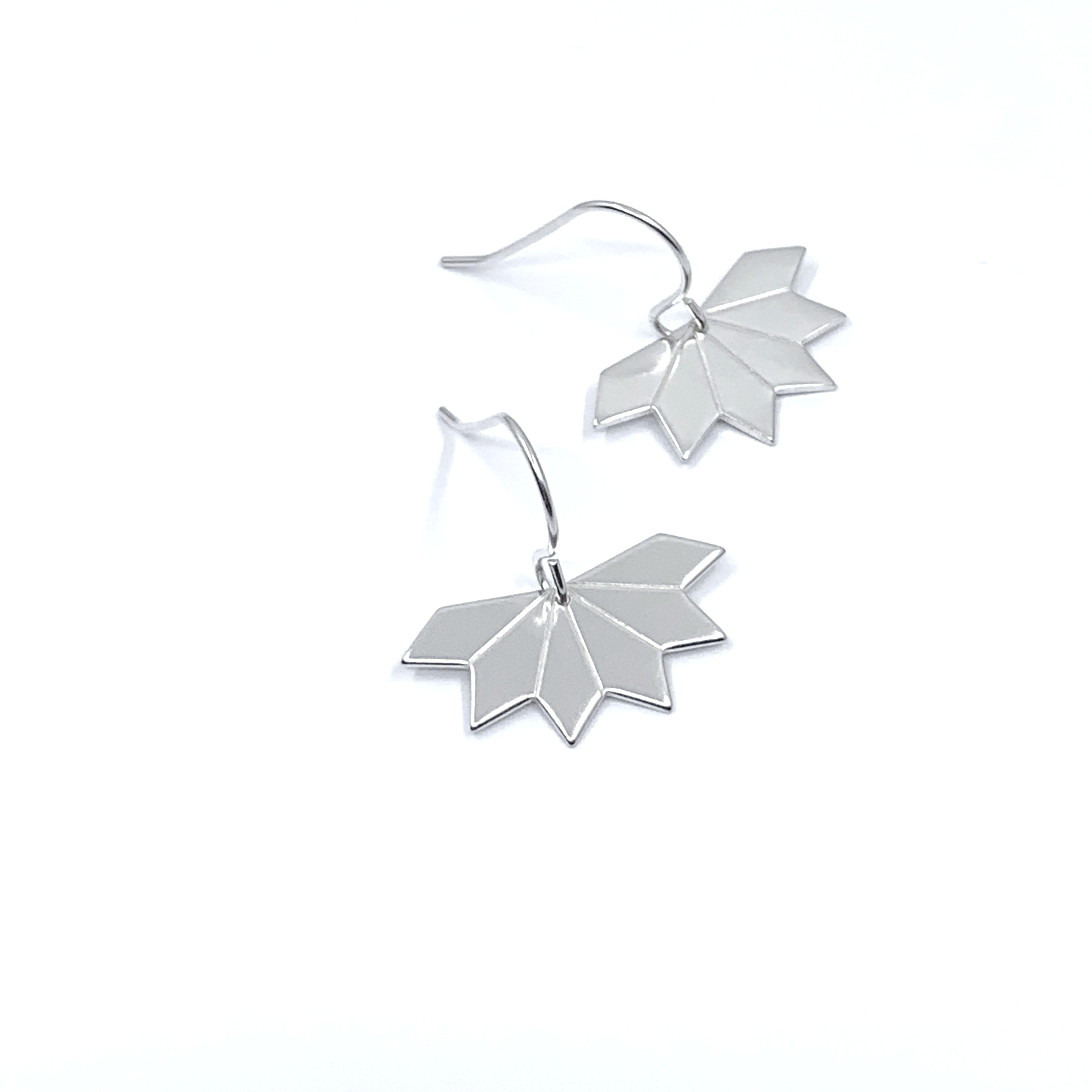 Star fragment silver earrings