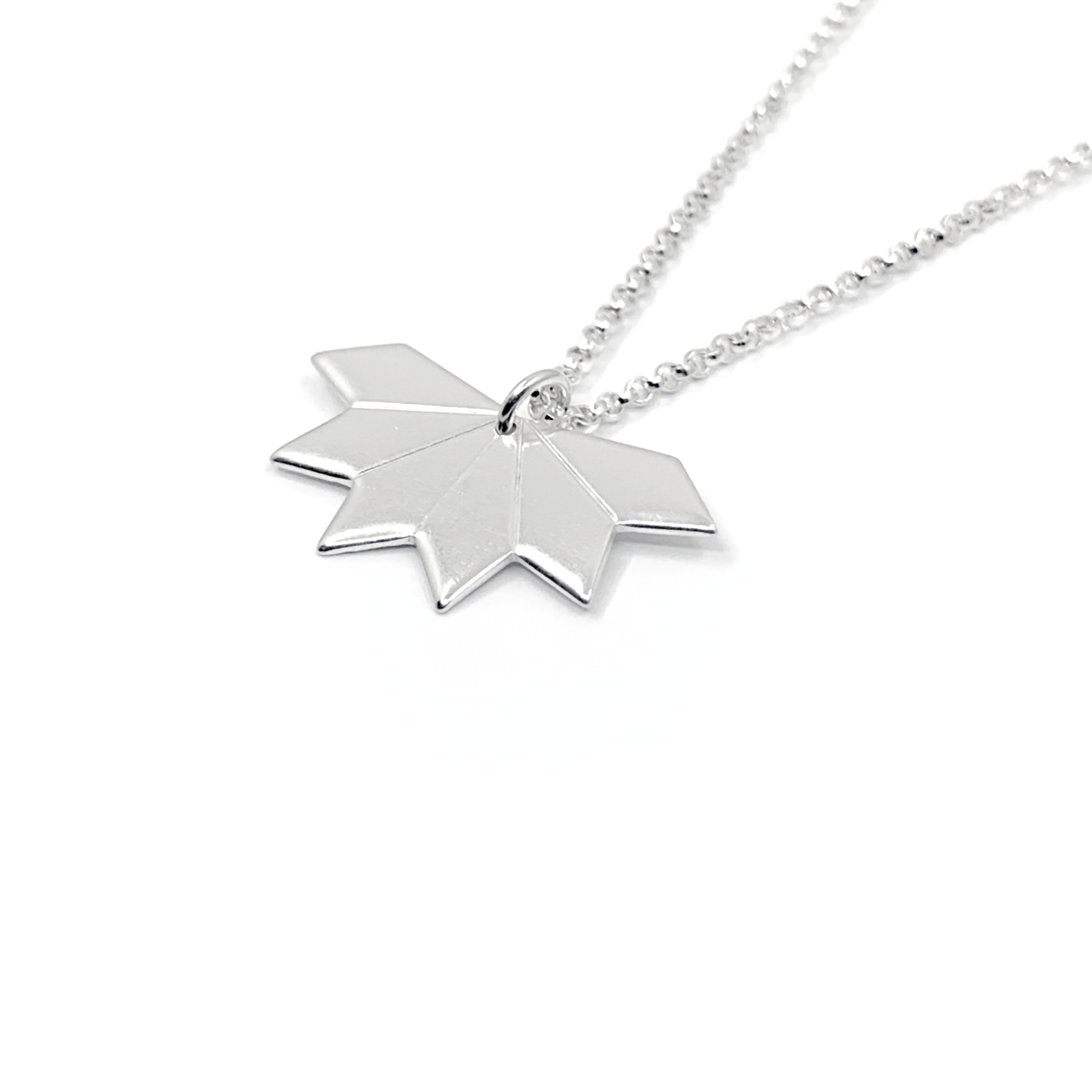 Star fragment silver necklace