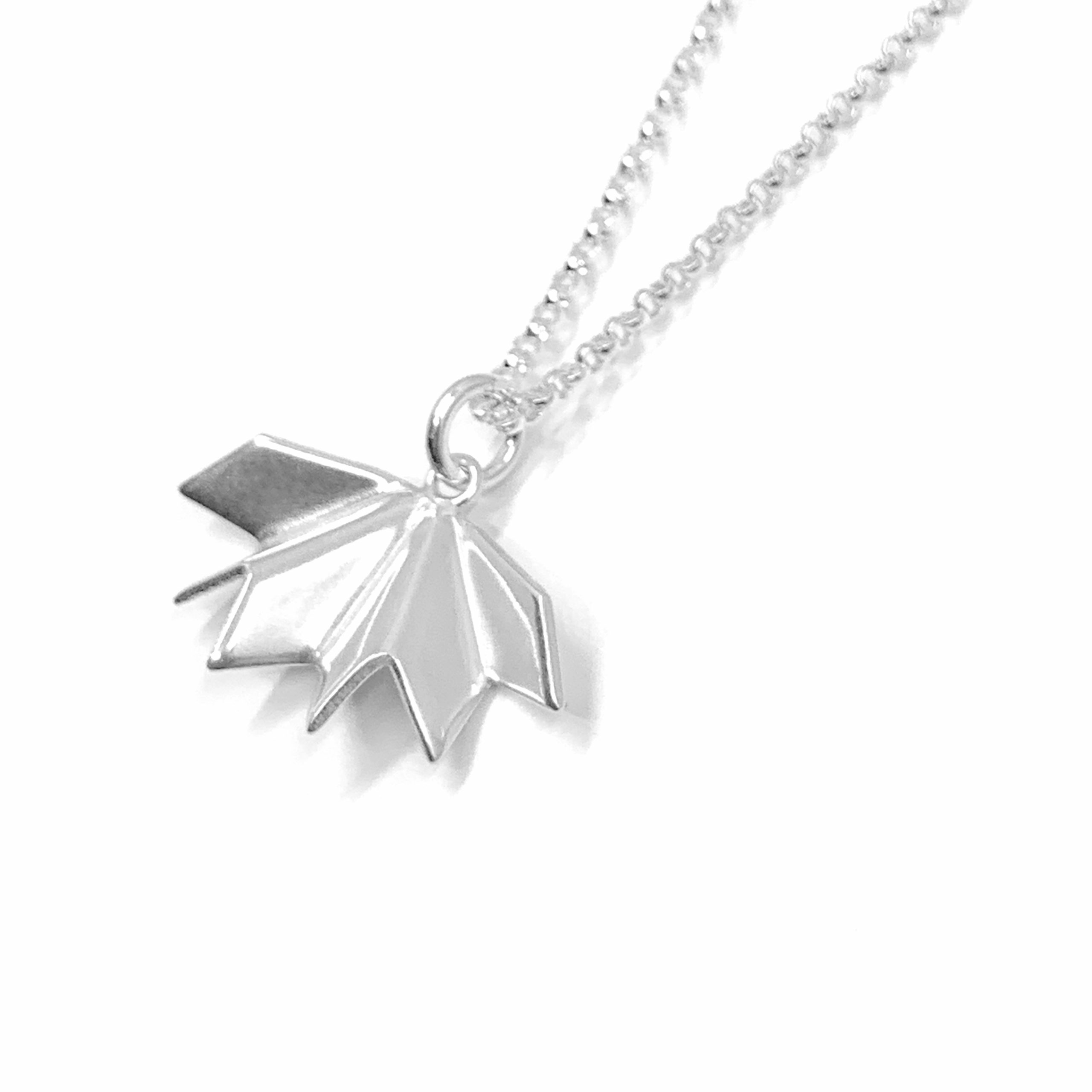 Unfolded silver necklace