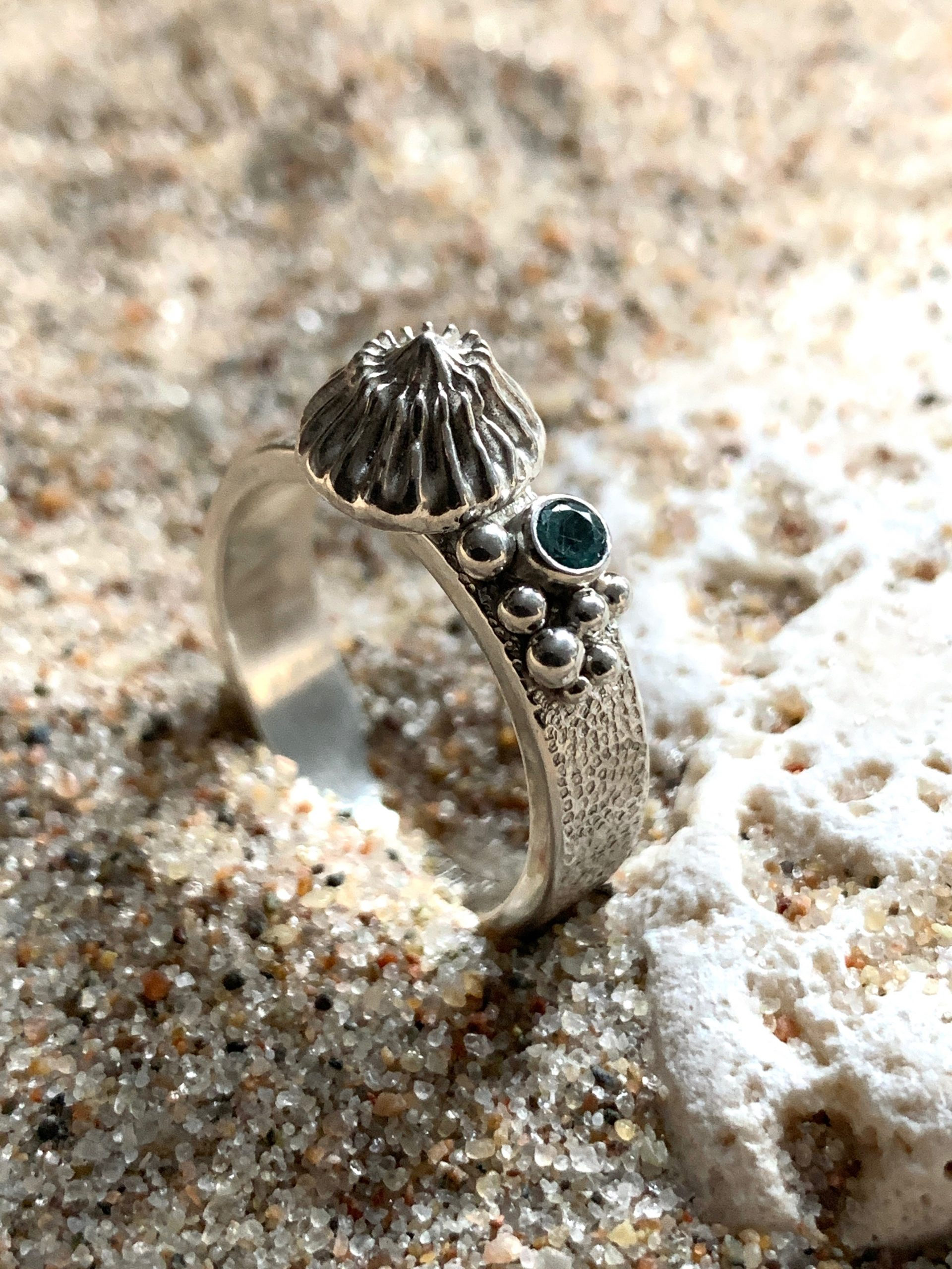 Coral reef ring size US 8,5 OAK no1