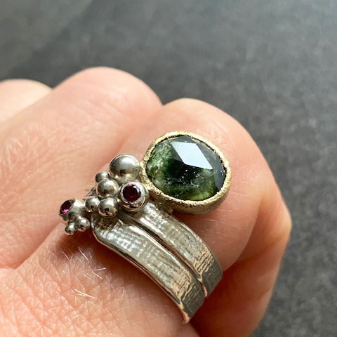 WOVEN tourmaline and rhodolite ring size US 9,25 OOAK