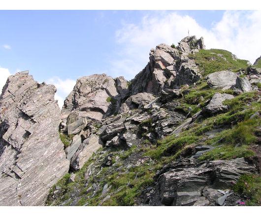 Die letzten felsigen Meter zum Gipfel