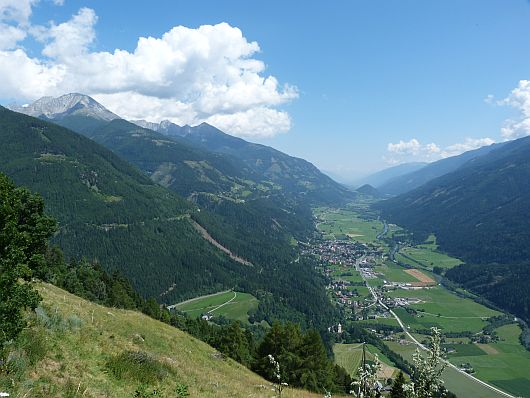Ausgangspunkt für diese Wanderung war der Himmelbauer. Von dort bot sich ein sagenhafter Blick ins untere Mölltal.