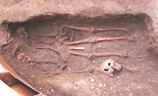 10 Recently Discovered Ancient Skeletons That Tell Curious Tales