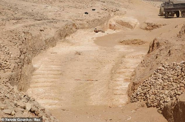 Archaeologist Found, the massive ramp that may have been used to build Egypt's Great Pyramid