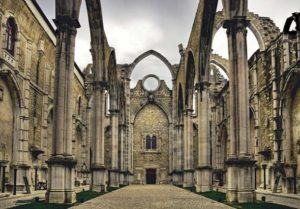 The Convent of Carmo, Lisbon, Portugal. (Juliancolton/ CC BY 2.0 ) The woman's remains were found outside the Church and Convent.