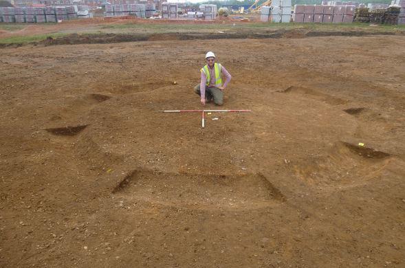 Bronze Age Burials Found in England