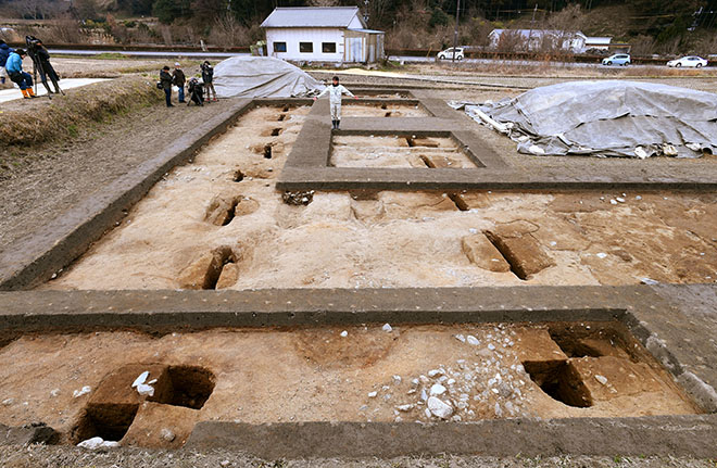Possible Ancient Banquet Hall Uncovered in Central Japan