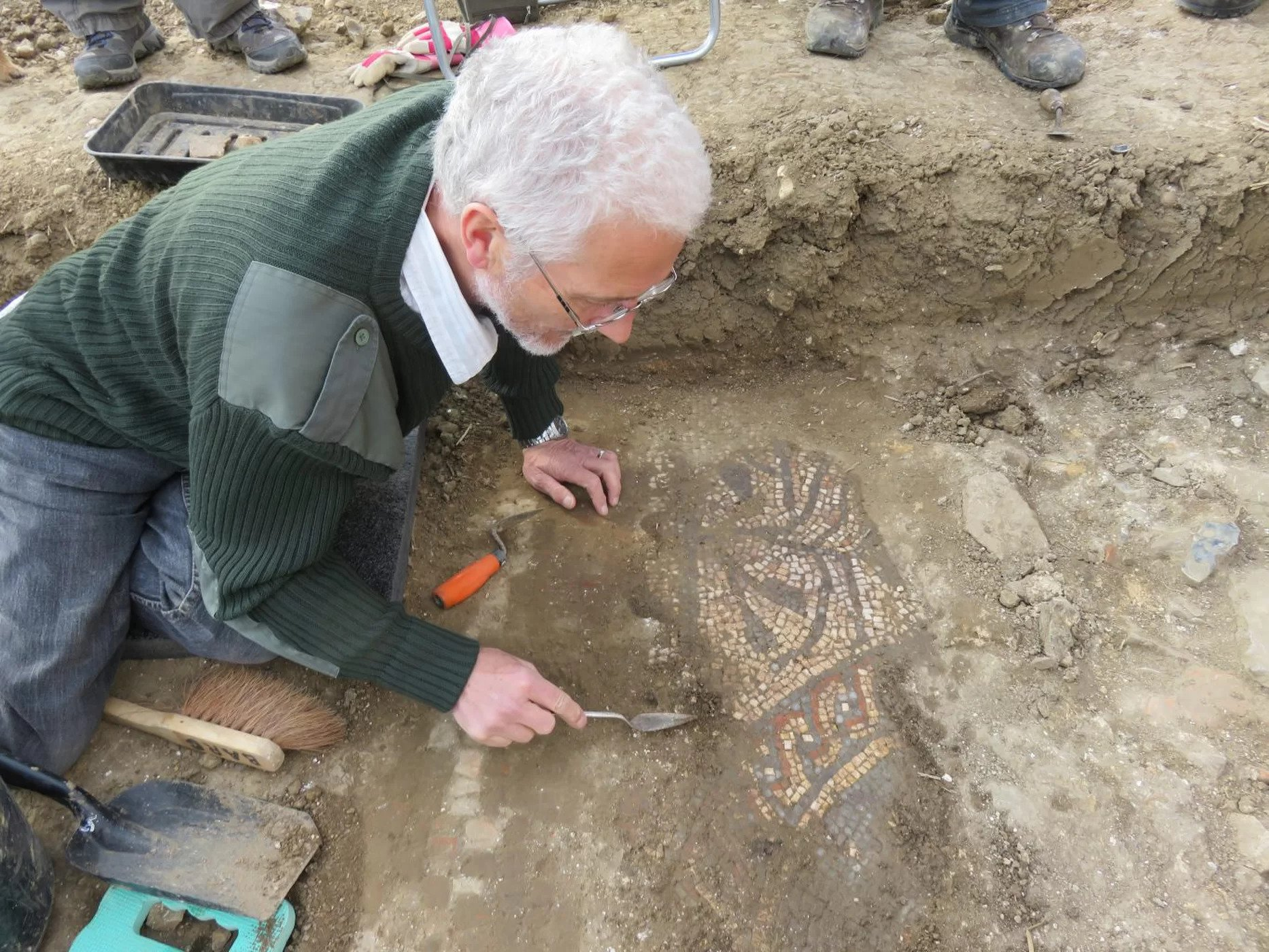 So Rare Roman Mosaic found in Boxford, England by Archaeologist