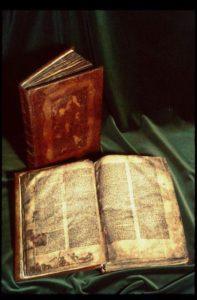 Codex Regius and Flateyjarbók (open).