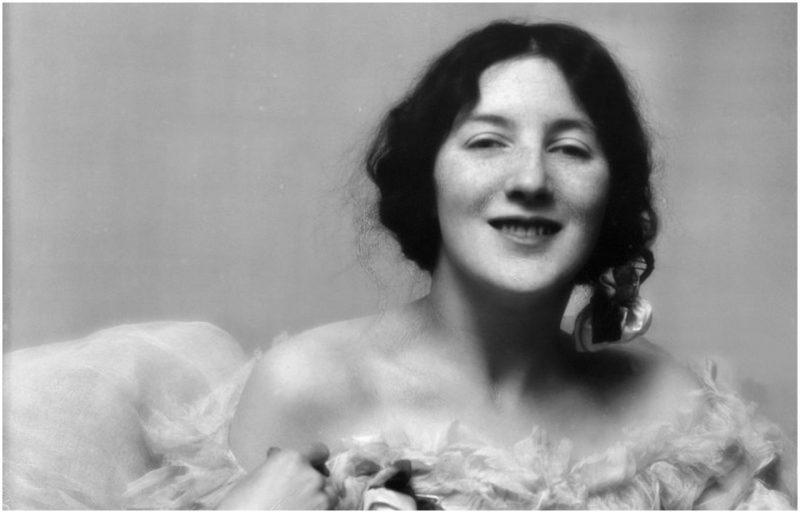America's First Supermodel Died Alone in a Mental Asylum After 65 years