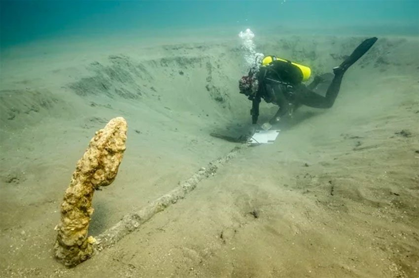 The anchor found off the coast of Veracruz in the search for Cortés' ships.