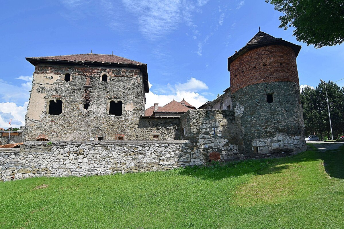 Medieval Tower Discovered at Slovakian Castle
