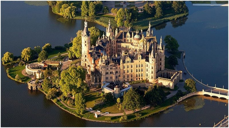 Schwerin Castle: The Hidden Fairy Tale with a Marvelous Past