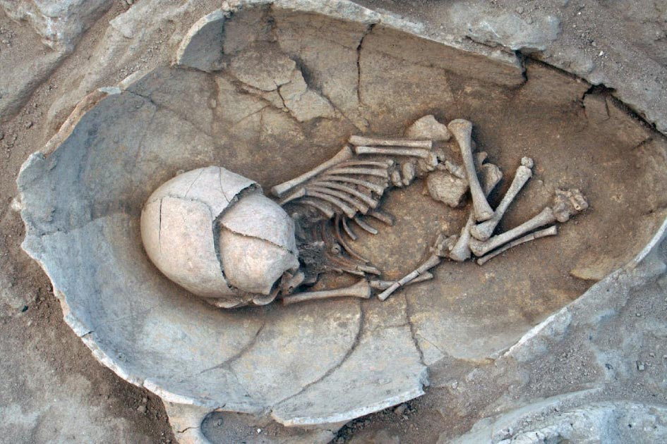 Babies found in Jars reveal insights into Ancient Breastfeeding
