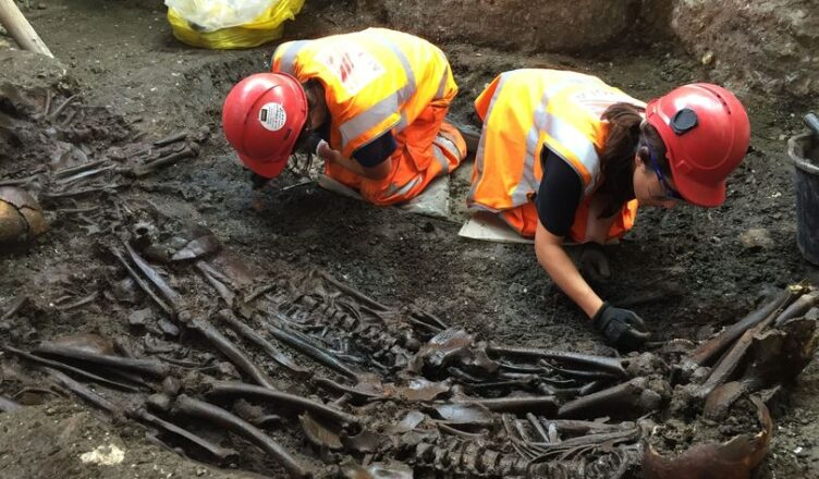 Lndon: King Arthur's remains' found by plumber beneath Brent Cross shopping centre