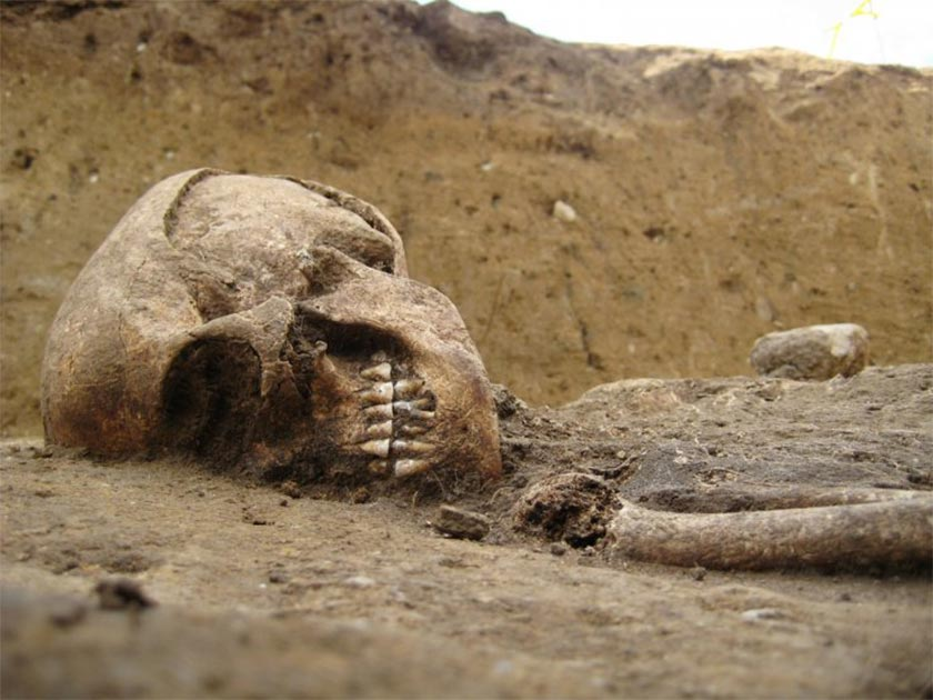 4,000-year-old skeleton's 'crouching position' stunned experts
