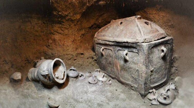Greek Farmer Stumbles Onto 3,400-Year-Old Tomb Hidden Below His Olive Grove