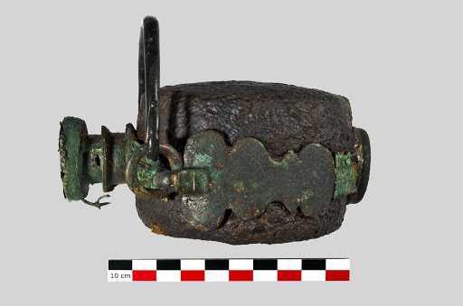 """A Roman """"laguncula"""" (water bottle) of the 4th century AD discovered in France"""