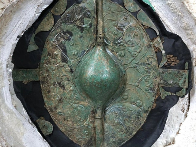 Archaeologists Unearth 2000-year-old Iron Age shield in an impressive 'warrior grave' in Yorkshire.