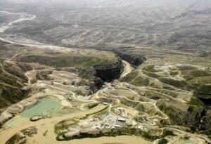 An aerial photo of the Seimareh Dam region