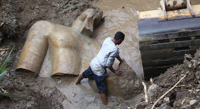 3,000-year-old statue of Egyptian Pharaoh Ramses II Lifted from muddy ditch in Cairo slum