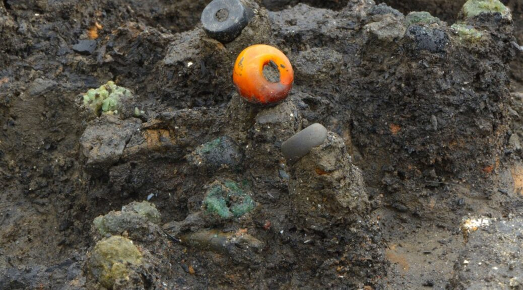 Discovery of treasure trove of fine textiles shows importance of fashion to Bronze Age Britons
