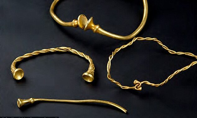 'Oldest' Iron Age gold work in Britain found in Staffordshire