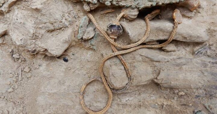 Jewellery from ancient warrior's tomb could give insights into origins of Greek civilisation