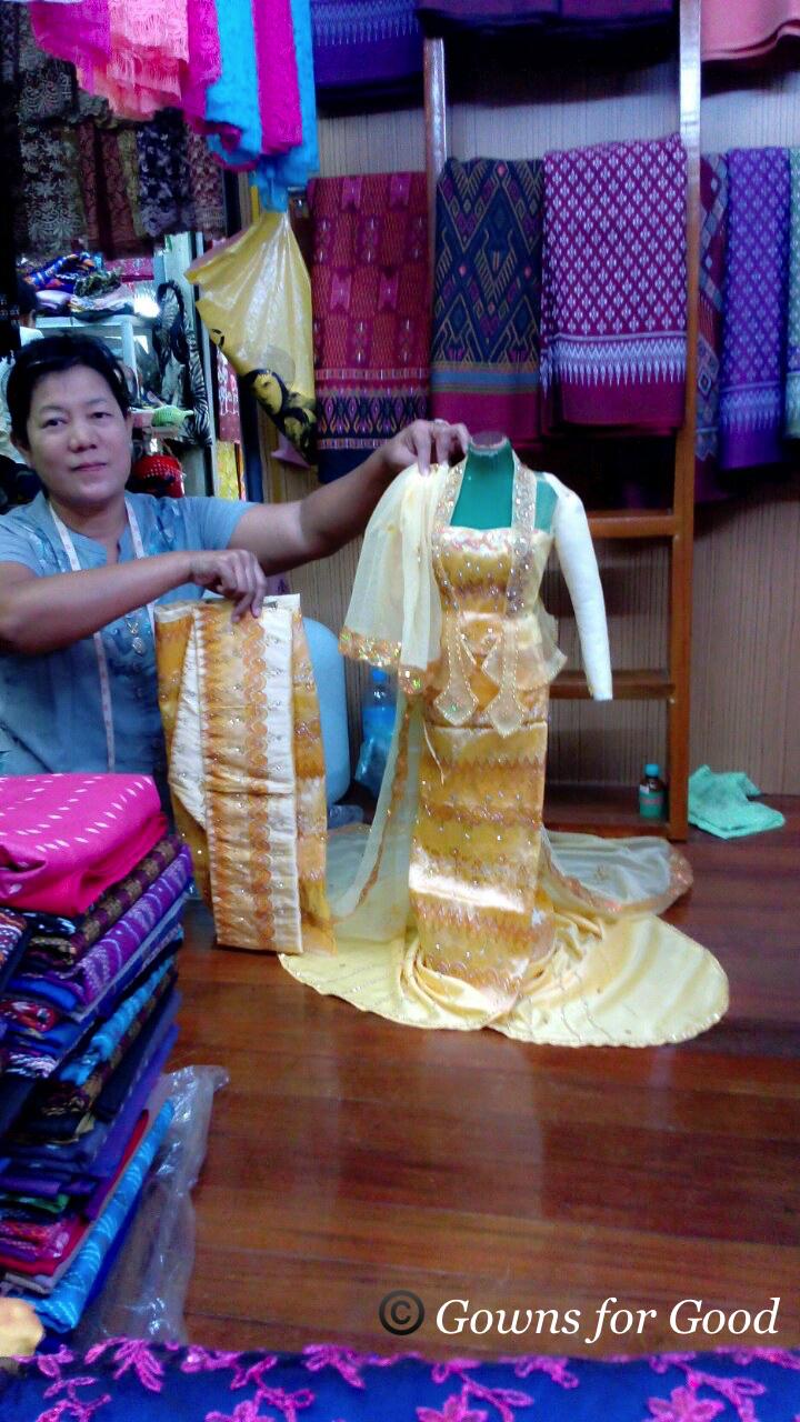2015 Traditional Myanmar wedding costumes