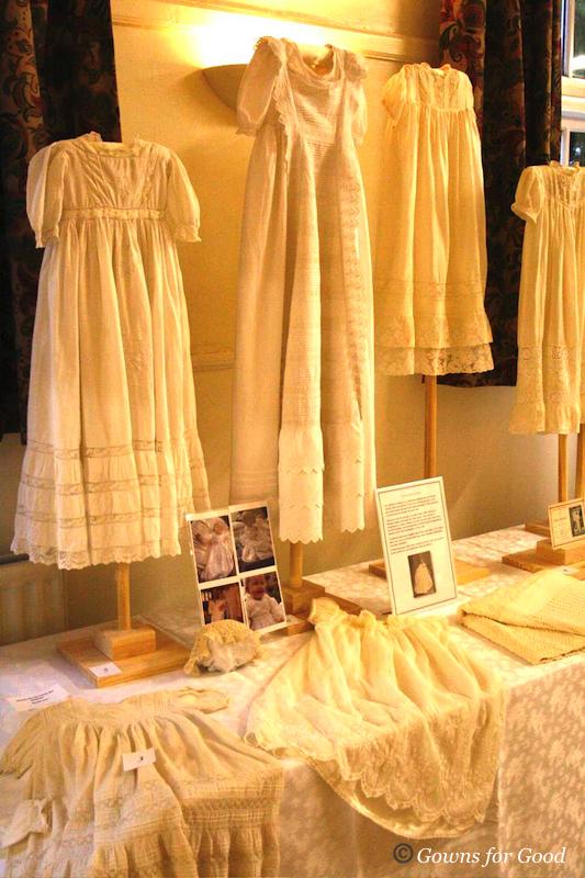 wedding exhibition wedding dresses christening gowns confirmation mourning vestments robe de mariées mariage baptême funérailles exposition