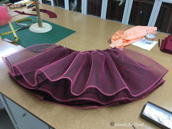 1954 Vogue evening chiffon dress robe de soirée mousseline années 50 1950